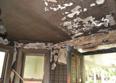 12 Dining room ceiling - heavy soot